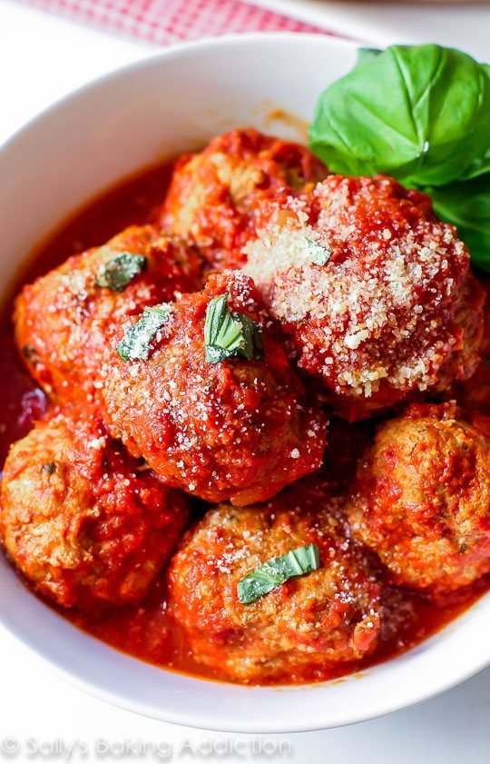 Lean-Turkey-Meatballs-that-are-packed-with-flavor-and-so-easy-to-make-in-the-slow-cooker-3
