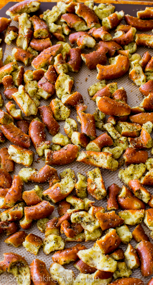 These-Seasoned-Pretzels-should-come-with-a-warning-label-Theyre-SO-easy_-And-they-disappear-fast