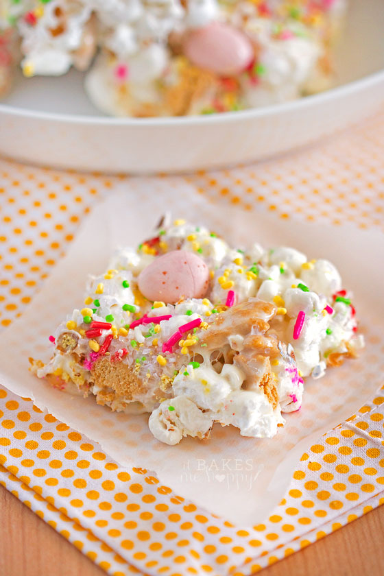 Easter Bunny Popcorn Bars from It Bakes Me Happy