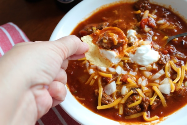 Making this beenless beef chili int he instant pot will make your super bowl recipes so easy to make
